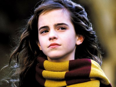 ROUND 9 - Hermione wearing scarf [b]Winner - AmberEdith[/b] 2nd - Hermione4evr 3rd - abcjkl