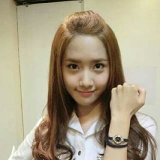 Yoona, my bias. I Like her because she is cute and shes good in 연기