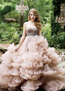 Taylor with a ruffled dress.:}