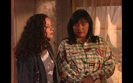 Does anyone know where I can buy a camicetta like the one Roseanne is wearing in the attached photo? I