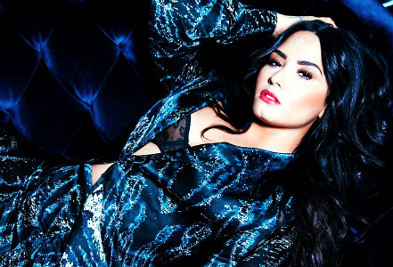 [b]Hi Demi fans, It is time to update this spot This is a フォーラ for every one to submitt their