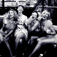 I don't know this picture screams Nic to me, wewe know SATC & laughter ;)