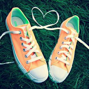[b]Round 7: оранжевый Shoes[/b] [b][u]Winner: ace2000[/b][/u]