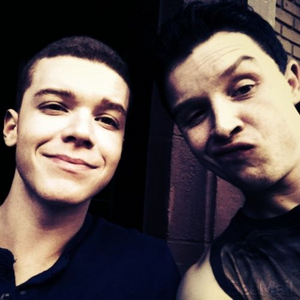 [b]Day 16: favorito cast picture. [i]Who's sick of my respostas always being about Gallavich? Okay,