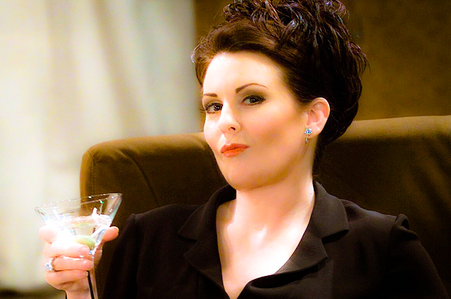 [b]6. Funniest character [/b] There will never be anyone funnier au better than Karen Walker. She is