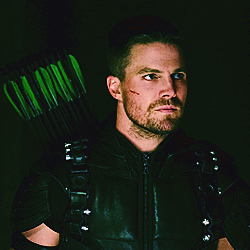 15. inayopendelewa hero [b] Oliver Queen[/b] ( Arrow)
