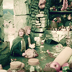 [b]Day 5 - Scene that makes tu laugh?[/b] Fun laughter: Merry & Pippin discover Saruman's stash.