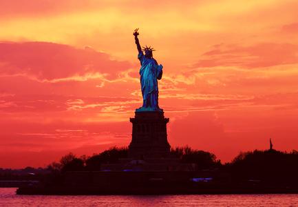 [b]04. 最喜爱的 landmark [/b] The Statue of Liberty, I guess. *shrug*