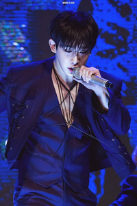8th round :a gif or pic of your bias wrecker in a Show/on stage