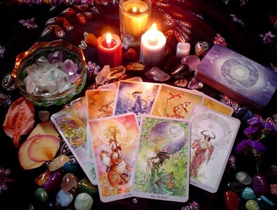 I guess the thing I have found beautiful and been impressed kwa recently is just my Shadowscapes Tarot