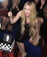 Avril At her CD release Party! now I want A pic of Avril with her hair up