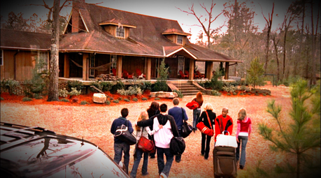 "Does anyone know where the cabin they used for for Rachels family cabin in ""When It Isn't Like It Sho"