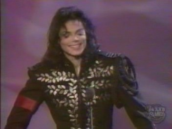 Post a pic one of your favorito! Michael Jackson hairstyles
