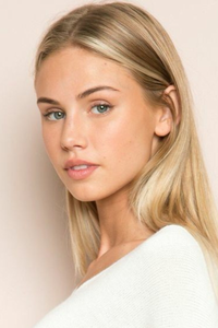 Scarlett Rose Leithold is an American model and social media personality well known as a face of the