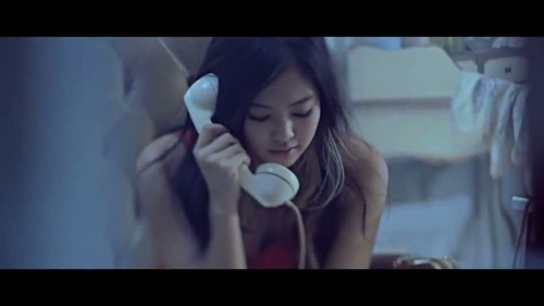"""That XX"" oleh G-Dragon musik video screencap"