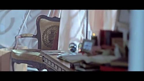 """""""That XX"""" 由 G-Dragon 音乐 video screencap"""