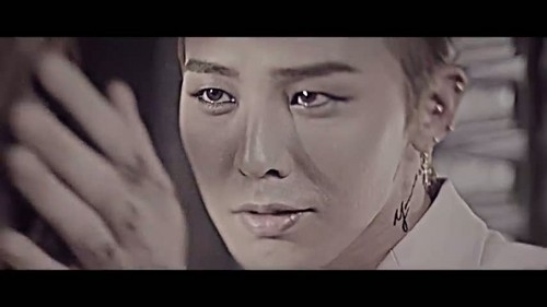 """That XX"" par G-Dragon musique video screencap"