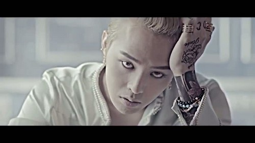 """That XX"" by G-Dragon music video screencap"