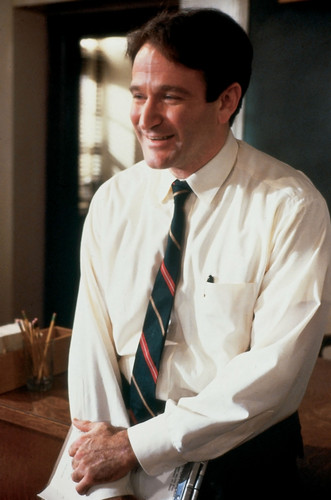 robin williams wallpaper possibly with a business suit entitled Dead poets society