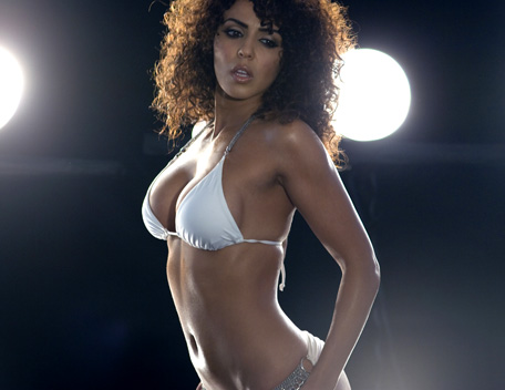 WWE 레일라 바탕화면 called Layla Photoshoot Flashback