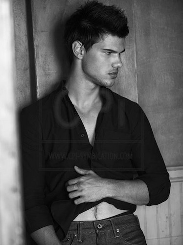 "Taylor Lautner پیپر وال titled New ""Total Film"" Photoshoot Outtake"