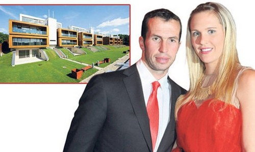 Radek Stepanek and wife Nicole have luxury housing..