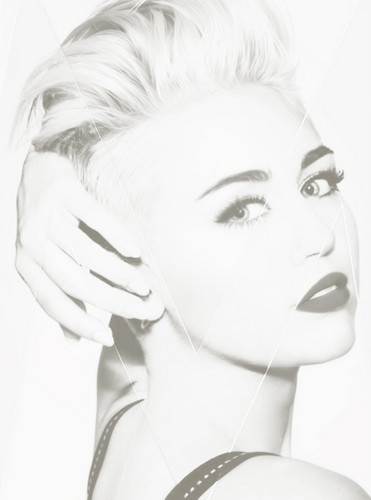 Studio Photoshoot > MileyCyrus.com