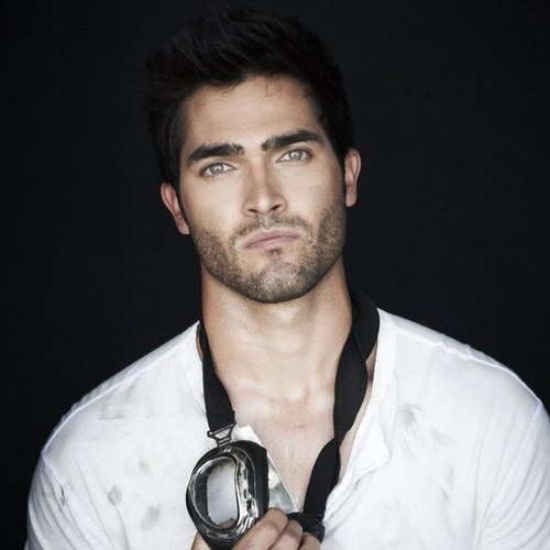 <3 Hoechlin Hottness<3