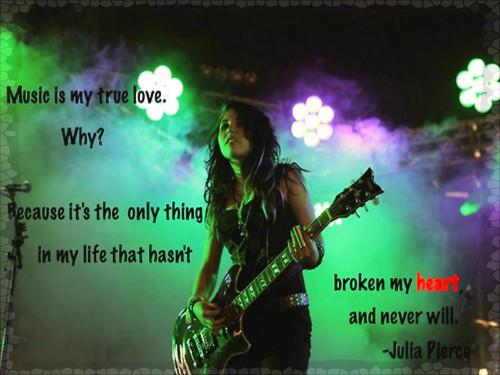 ☆ Julia Pierce ★