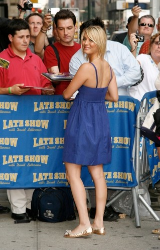 Arriving at The Late tunjuk with David Letterman