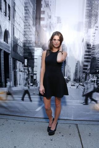 Ashley at the DKNY tunjuk for New York Fashion Week