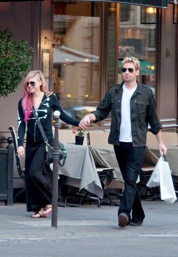 Avril and Chad in Paris, France 13.9.12