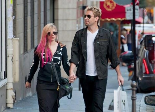 Avril and Chad in Paris, France 13.9.12 - avril-lavigne Photo