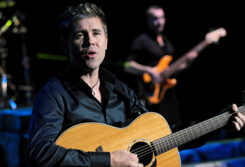 Neil Byrne wallpaper containing an acoustic guitar and a guitarist called Celtic Thunder