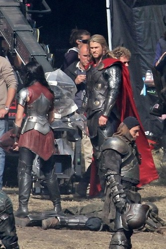 Chris Hemsworth and His Body Double on Set 'Thor: The Dark World