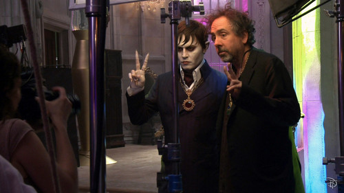 Tim Burton's Dark Shadows wallpaper entitled Dark Shadows behind the scenes