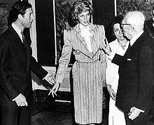 Prinzessin Diana Hintergrund containing a business suit entitled Diana