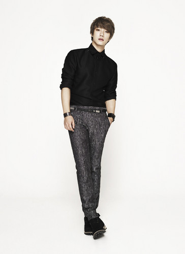 """F.T. Island wallpaper possibly containing a well dressed person and long trousers called FT Island """"Five treasure Box"""""""