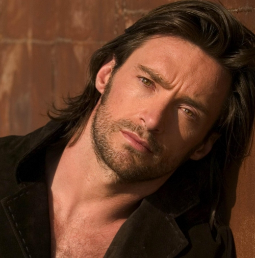 Hugh jackman men with long hair 32166803 500 505