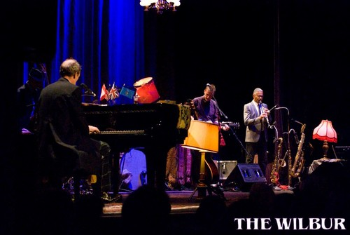 Hugh Laurie at Wilbur Theatre, Boston 05.09.2012