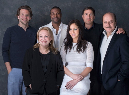 "Jennifer and the ""Silver Linings Playbook"" cast - TIFF 2012 Portrait session #3 의해 Jeff Vespa."