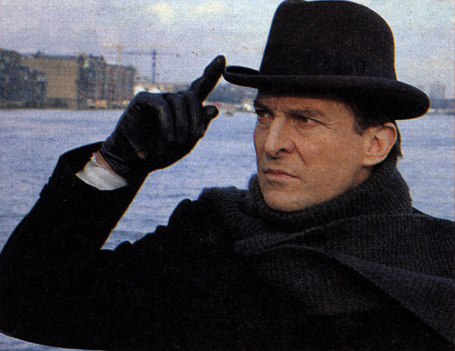 Jeremy Brett Hintergrund containing a snap brim hat, a campaign hat, and a fedora called Jeremt Brett