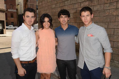 Jonas brothers power of youth