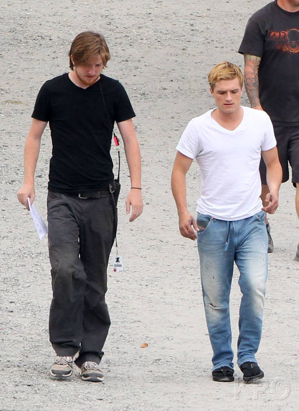 Josh Hutcherson shows up to the set of 'Hunger Games: Catching Fire' [HQ]