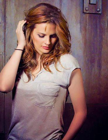 Kate Beckett karatasi la kupamba ukuta with a portrait called Kate