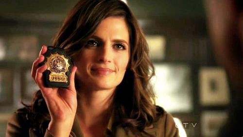 http://images6.fanpop.com/image/photos/32100000/Katherine-Beckett-kate-beckett-32120606-500-282.jpg