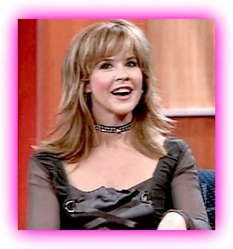 The Linda Blair Pretty Corner kertas dinding with a portrait entitled Linda Blair