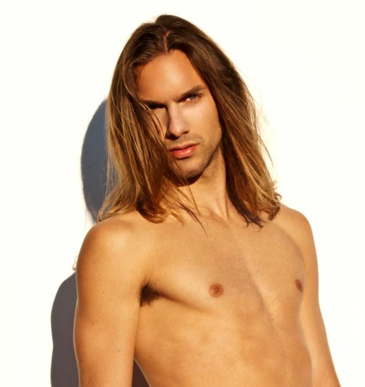 Hot Long Hair Webcam Guy