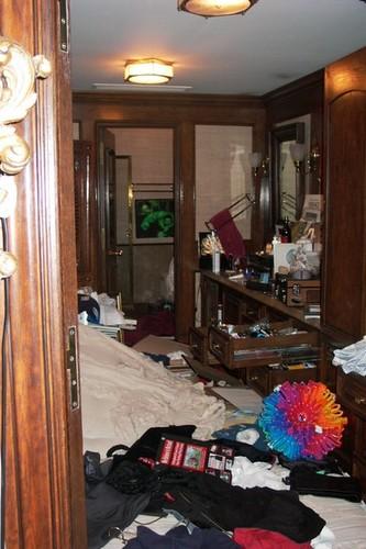 Michael Jackson fond d'écran containing a family room, a living room, and a tanière, den titled Michael Jackson Bedroom