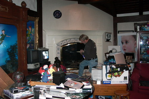 Michael Jackson fond d'écran possibly with a kitchen, a desk, and a living room entitled Michael Jackson Bedroom
